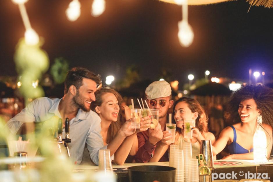 PacktoIbiza.com. Paquetes y ofertas de viaje a Ibiza. Disfruta de Ibiza con tus amigos.