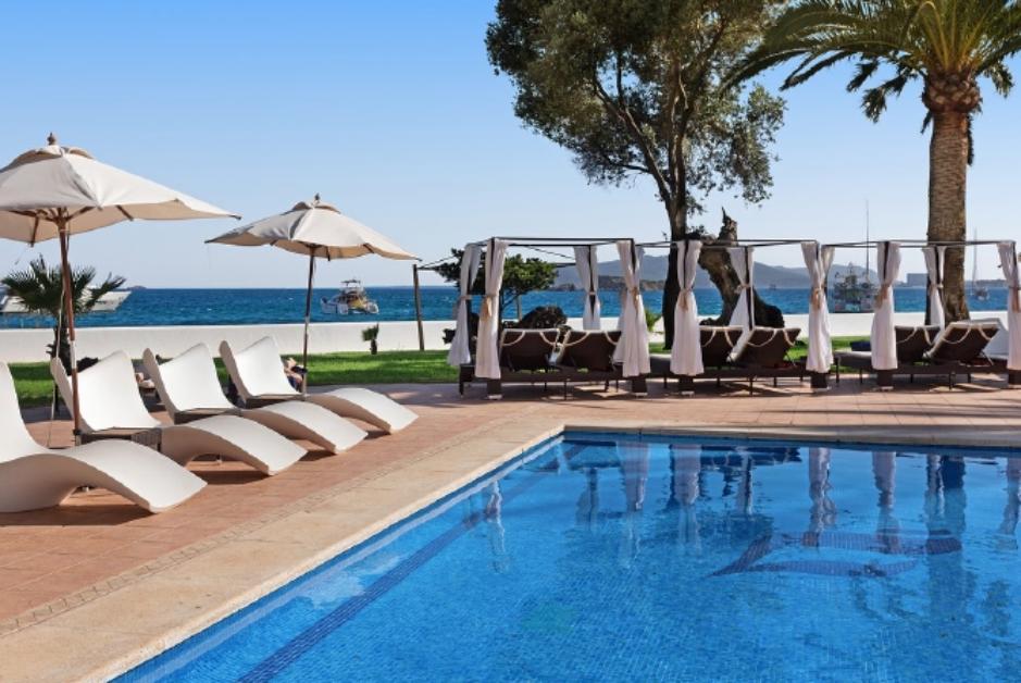 PacktoIbiza.com. Paquetes y ofertas de viaje a Ibiza. Hotel Los Molinos, un sitio paradisiaco frente