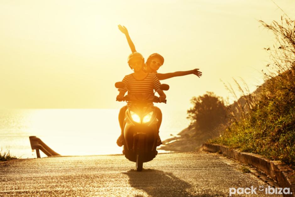 PacktoIbiza.com. Paquetes y ofertas de viaje a Ibiza. Alquila un moto y descubre todos los rincones