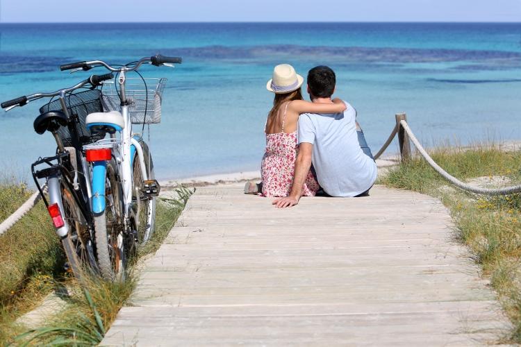 PacktoIbiza.com. Paquetes y ofertas de viaje a Formentera. Alquila una bici y vive la isla de Formen