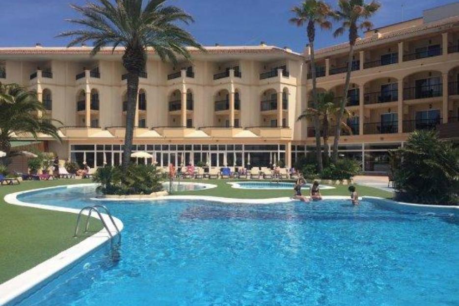 PacktoIbiza.com. Paquetes y ofertas de viaje a Ibiza. Hotel Blau Parc en Ibiza.