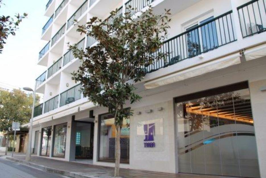 PacktoIbiza.com. Paquetes y ofertas de viaje a Ibiza. Hostal Tarba centro San Antonio,Ibiza.